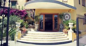 hotel-paradiso.jpg